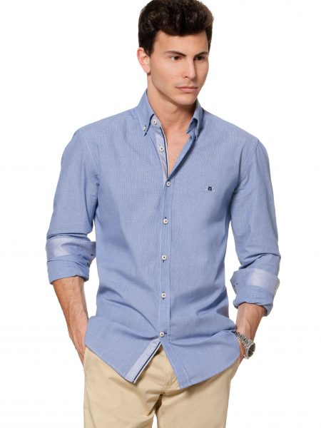 camisa button-down temerario con bordado y contrastes